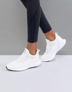 best nursing shoes for flat feet